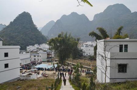 新农村建设带来新变化——凌云县下甲乡彩架村采访记