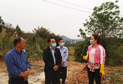 韦恩龙副主任到永乐镇调研生猪养殖产业发展情况