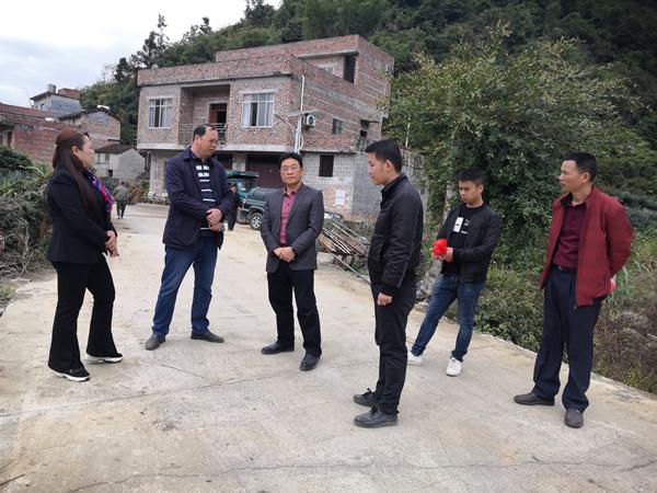 廖忠生到旧城镇康马村协调推进旱改水项目建设工作