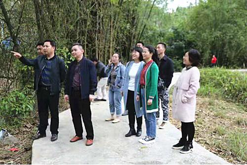 腊家顺率队到罗甸县调研乡村旅游发展
