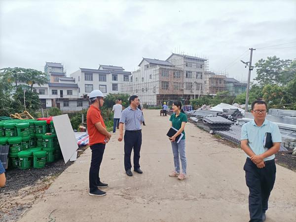 王征军到思林镇指导风貌改造提升工作