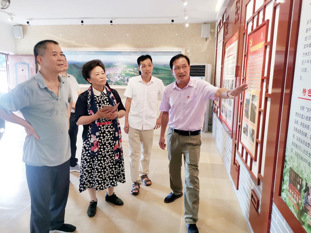 黄运志率队赴贺州市考察学习中医药传承创新发展和全域旅游工作